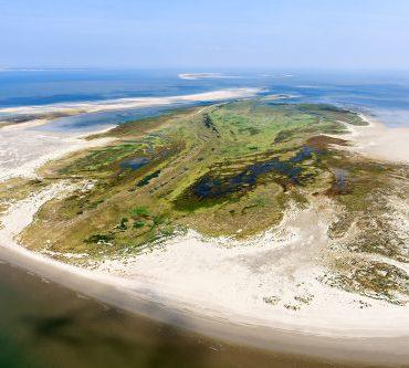 Rottumerplaat is een van de onbewoonde eilanden in de Waddenzee. © foto: Joop van Houdt