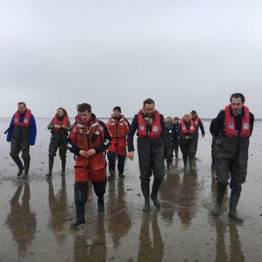 Martijn van Dam in de Waddenzee